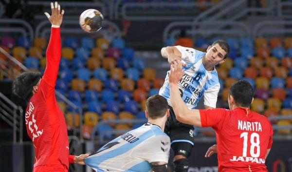 Mundial de Handball: Los Gladiadores vencieron a Japón y sueñan con dar el golpe en la Main Round https://t.co/yEgzEvoJ4v  @egypto2021 #mundialdehandball #Gladiadores @CAHandball @CAHandballARG @DeportesAR @fedepizarro03 @chinosimonet @juancho_baer @CarouGonzalo @JeroNSalinas https://t.co/LQzX8b34nB