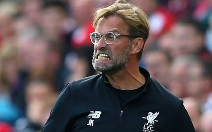 *1° tempo: Liverpool 0 x 0 Burnley*  Repórter: Klopp, por que seu time não faz gol?  Klopp: o Manchester United, time de Ole Gunnar Solskjaer, teve um pênalti a favor contra o Cardiff, no dia 22 de dezembro de 2018, aos 12 minutos do 2° tempo, quando o jogo estava 3x1. Por isso!! https://t.co/s8KMf8l2DR