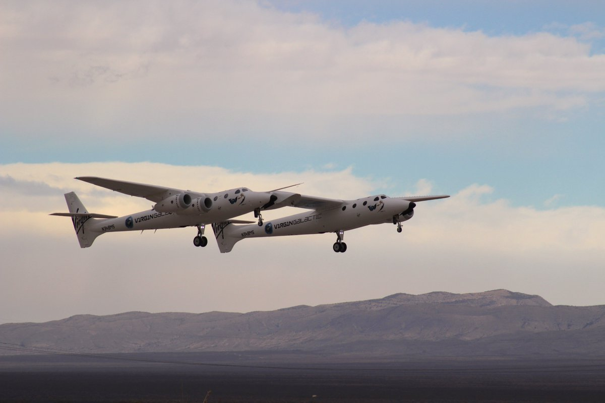 VMS Eve heads into the vast New Mexico skies. The pilots for today's flight are CJ Sturckow and Dave Mackay.