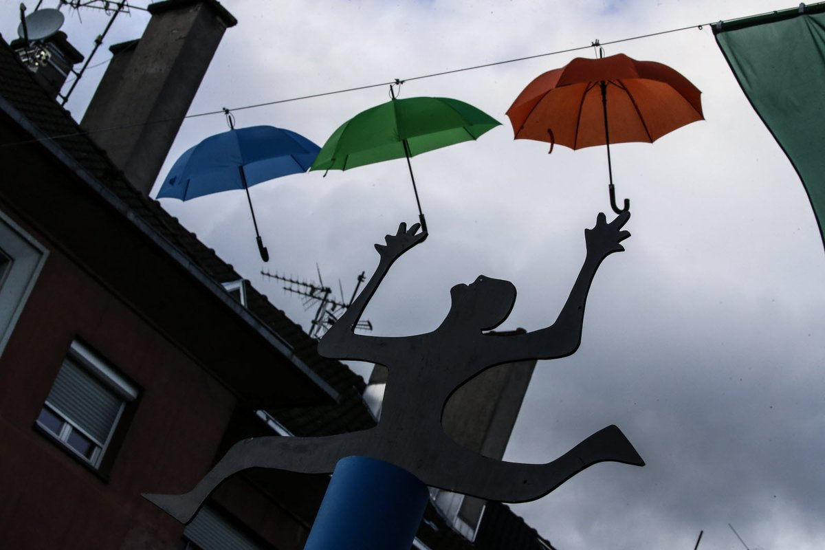 Bonjour ! Une nouvelle journée humide... Et quelques flocons en fin de journée pour lancer le week-end ? ❄🤩 Bonne fête aux Vincent ce vendredi ! Les prévisions météo du jour : https://t.co/WouIKHtRDv https://t.co/MUgOswdcaw