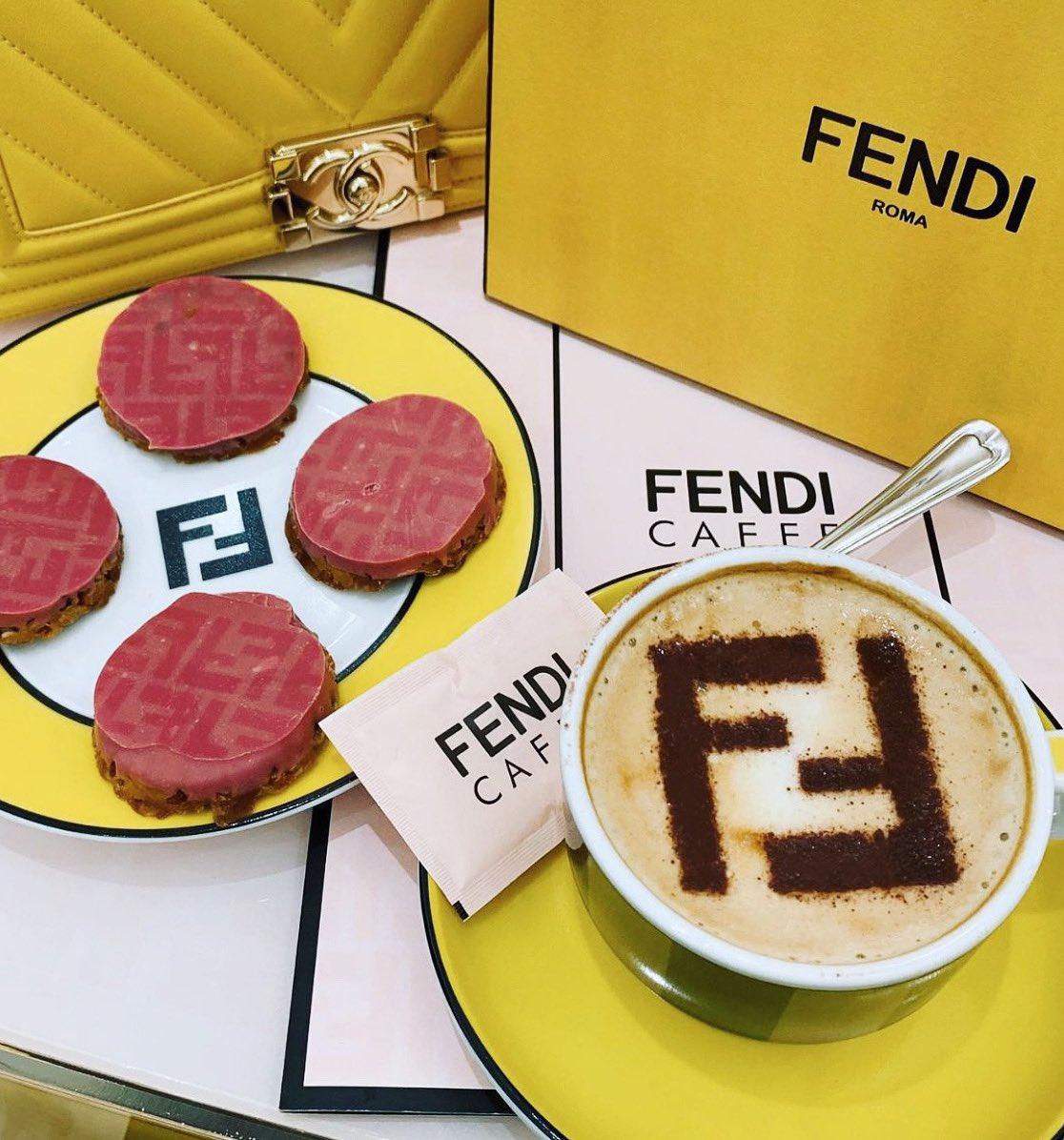 Morning coffee fix with my girls💕 #fendi  #fashion #coffeetime #cool