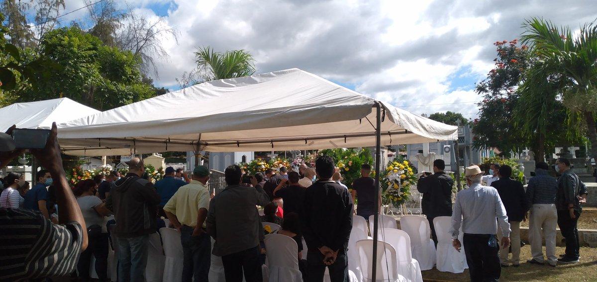 El último adiós al cronista deportivo más grande de Nicaragua,Xavier Araquistain.  En paz descanses