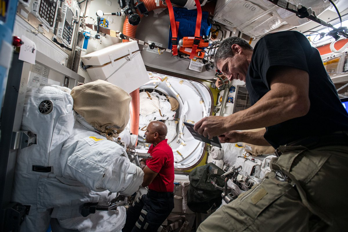 We are answering your #AskNASA questions live on @NASA TV during a spacewalk briefing on Friday at 3pm ET. @Astro_illini  and @AstroVicGlover will work on upgrades outside the station on Jan. 27 and Feb. 1.