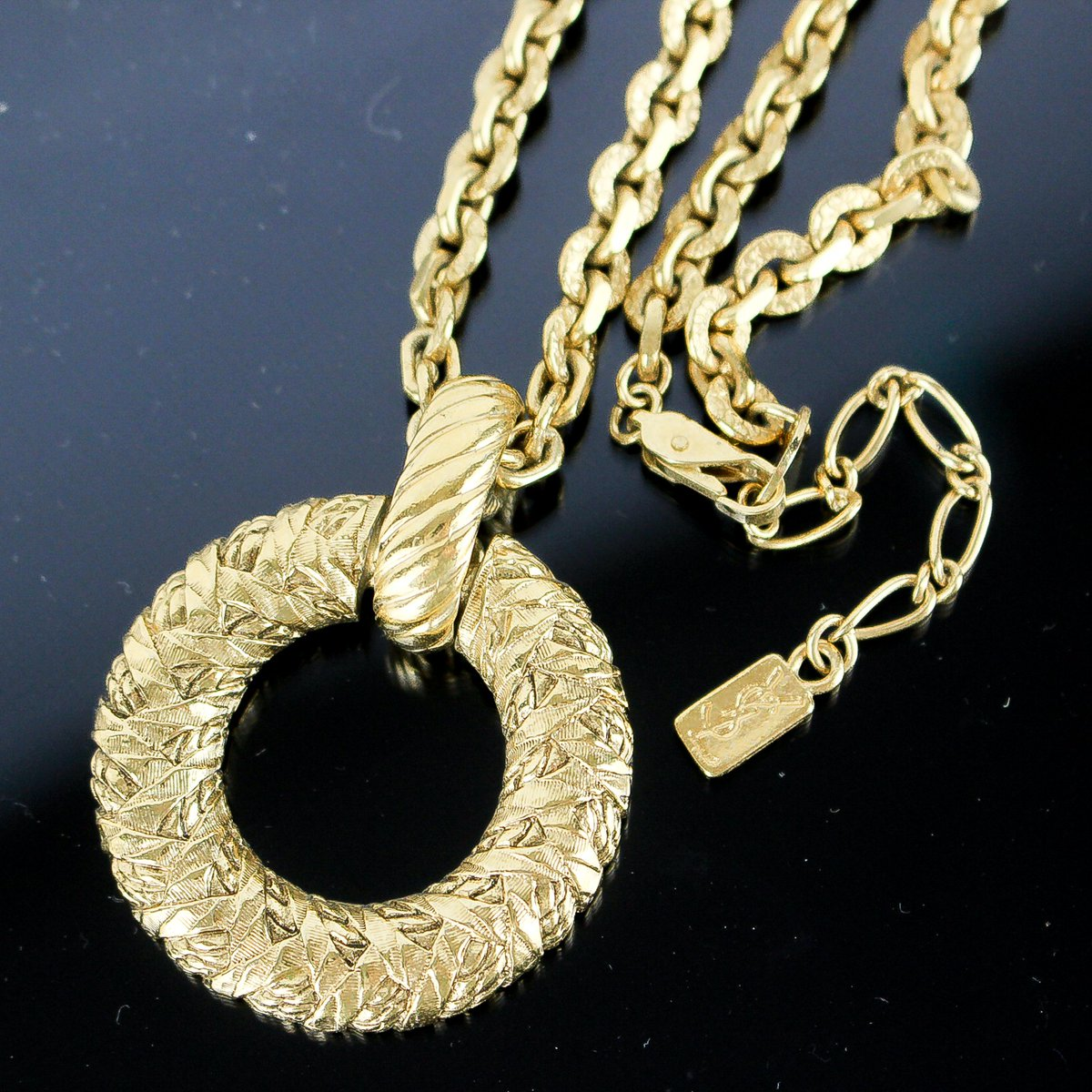 How would you coordinate it with your outfit?😃❓❓❓ YVES SAINT LAURENT YSL Circle Chain Necklace Pendant Gold Plated  Authentic verified. Free shipping worldwide.  Click on @brand_tcr for store link. Please search by this SKU:  e021010061  #ysl #followme  Follow me😆💕 https://t.co/ItsxNGa73e