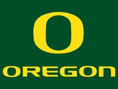 #AGTG Very thankful to have received an offer from The University of Oregon!!🟡🟢  Special thanks to @BallCoachJoeMo @coopspetag @oregonfootball. @cg_coach_moore @SWiltfong247 @JoshHelmholdt @xfactorQB @QBCollective