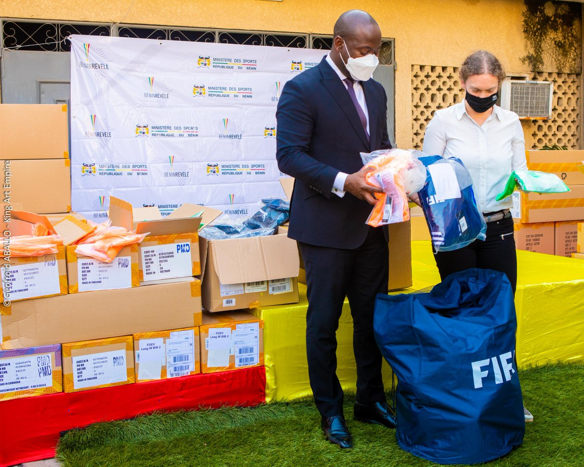 🏫⚽️🇧🇯  ✍️ An agreement on the development of school football in Benin was signed in 2020  ✨ The Beninese government, @fbfofficiel & FIFA are working together to support young people in Benin to shine in education and sport  👉