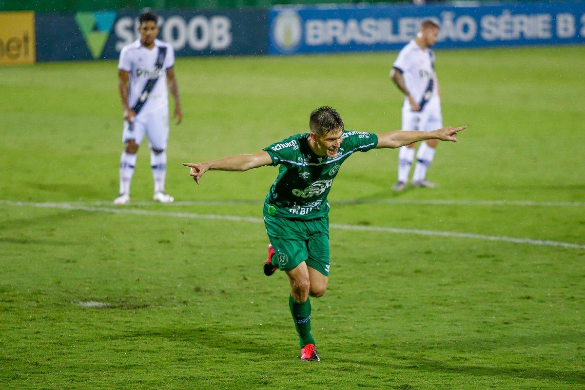 Chapecoense 1 x 0 Ponte Preta: assista aos melhores momentos https://t.co/XYwTWonpp2 https://t.co/vqvMl4glIQ