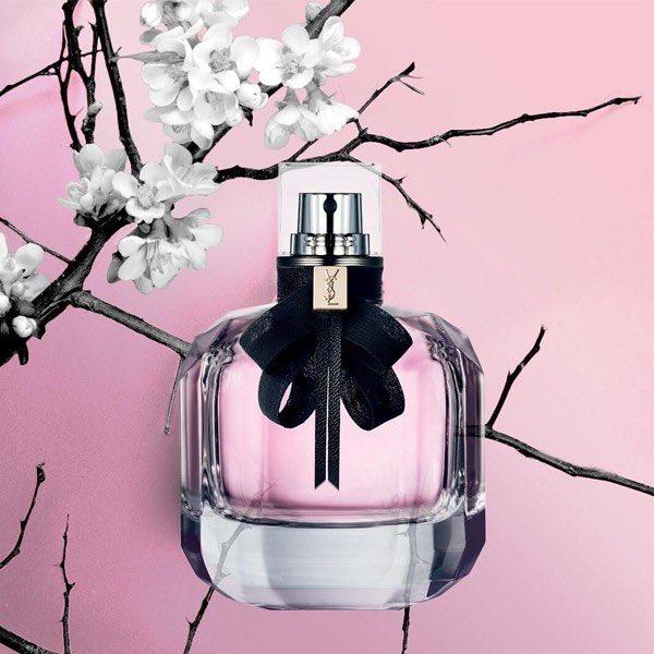 #Monparis De: Yves Saint Laurent Para damas (for ladies)  Lo puede conseguir (you can see it in): https://t.co/eS6KPAUgdR Un perfume afrutado, dulce y delicado. Para usar en cualquier estación y a cualquier hora del día. Riquísimo 👌🏽 https://t.co/xpjpESBuJv