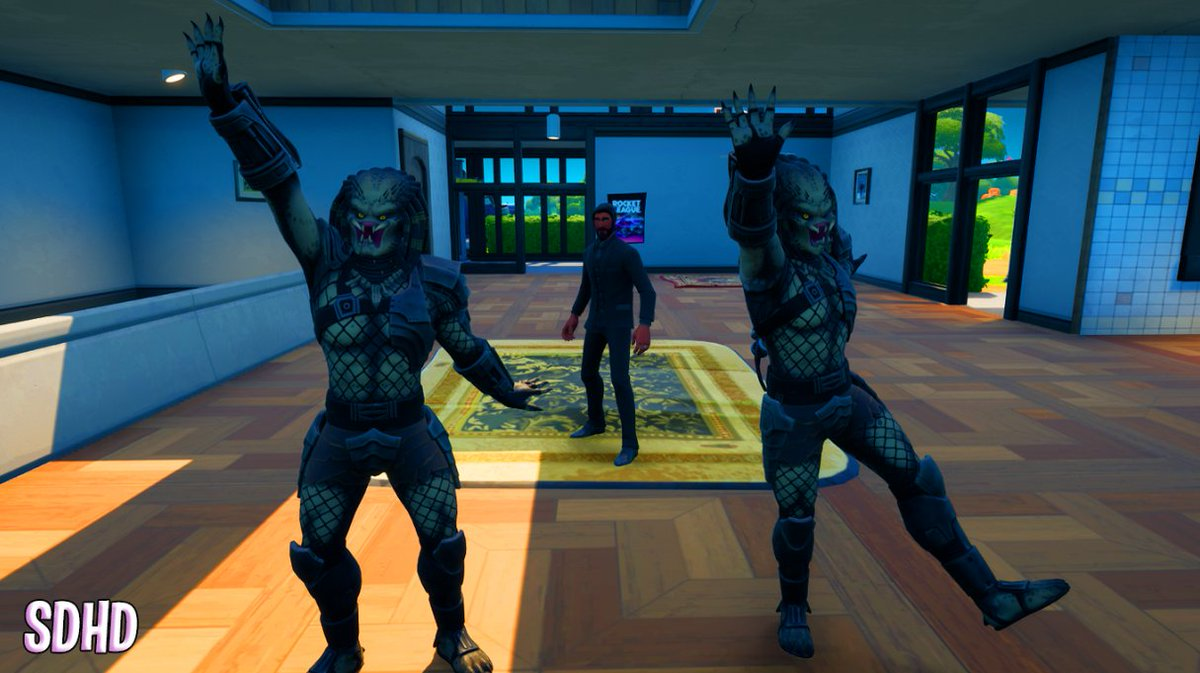 They say the Predator only knows how to hunt, but what do you didn't know is that they also know how to dance!   Reaper isn't impressed anymore.   #Fortography @FortniteGame