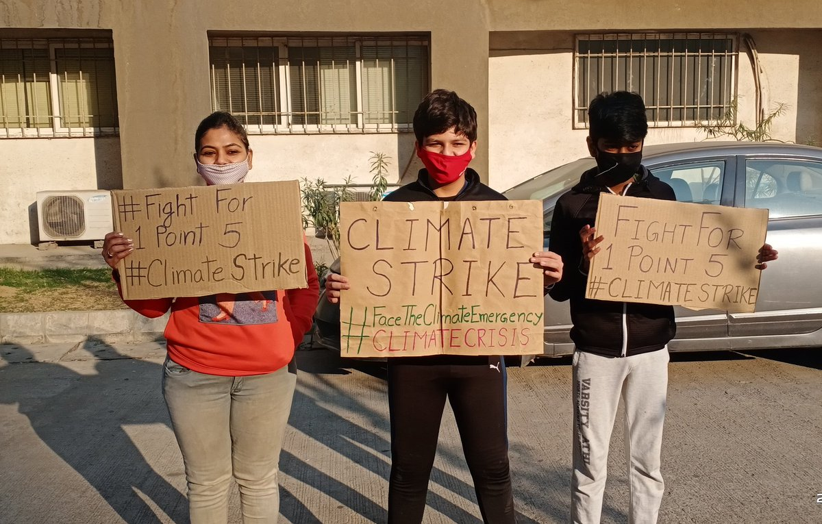 Week 28th #ClimateStrike🌍 in #India🇮🇳 I believe #Climatechange is the defining issue humanity has ever faced. We need to accelerate in taking bold #ClimateAction.  #FaceTheClimateEmergency #FridaysForFuture #NoMoreEmptyPromises @GretaThunberg @vanessa_vash @rwclimate @FFFIndia https://t.co/xN0ZFtIN4F