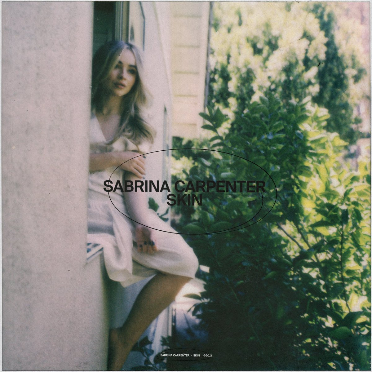 """SAIU! """"Skin"""", novo single de Sabrina Carpenter, já está disponível nas plataformas digitais:"""