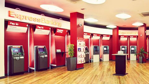 HSBC to close 82 UK branches; revamps network for digital age