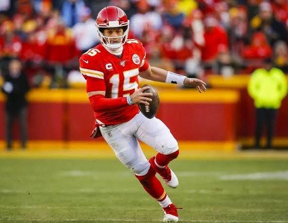 ¿Quién crees que sea más determinante para su equipo el domingo?   Like ♥️ Patrick Mahomes RT 🔄 Josh Allen  El duelo que se nos viene.  #NFL
