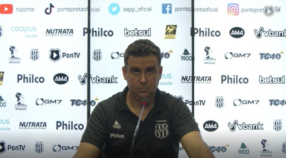 Melhores Momentos - Chapecoense 1 x 0 Ponte Preta - 21/01/21 Acompanhe os melhores lances do jogo e a coletiva do técnico da Ponte Preta, Fábio Moreno. https://t.co/KfbD5r1nYP https://t.co/6tuk06zzwe