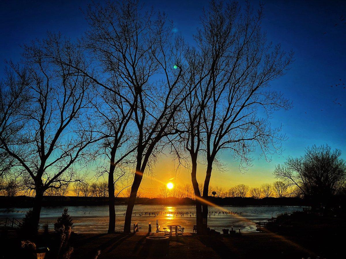 #landscapephotography #nature #NaturePhotography #sunset #sunsetphotography https://t.co/eVfKU6HFMZ