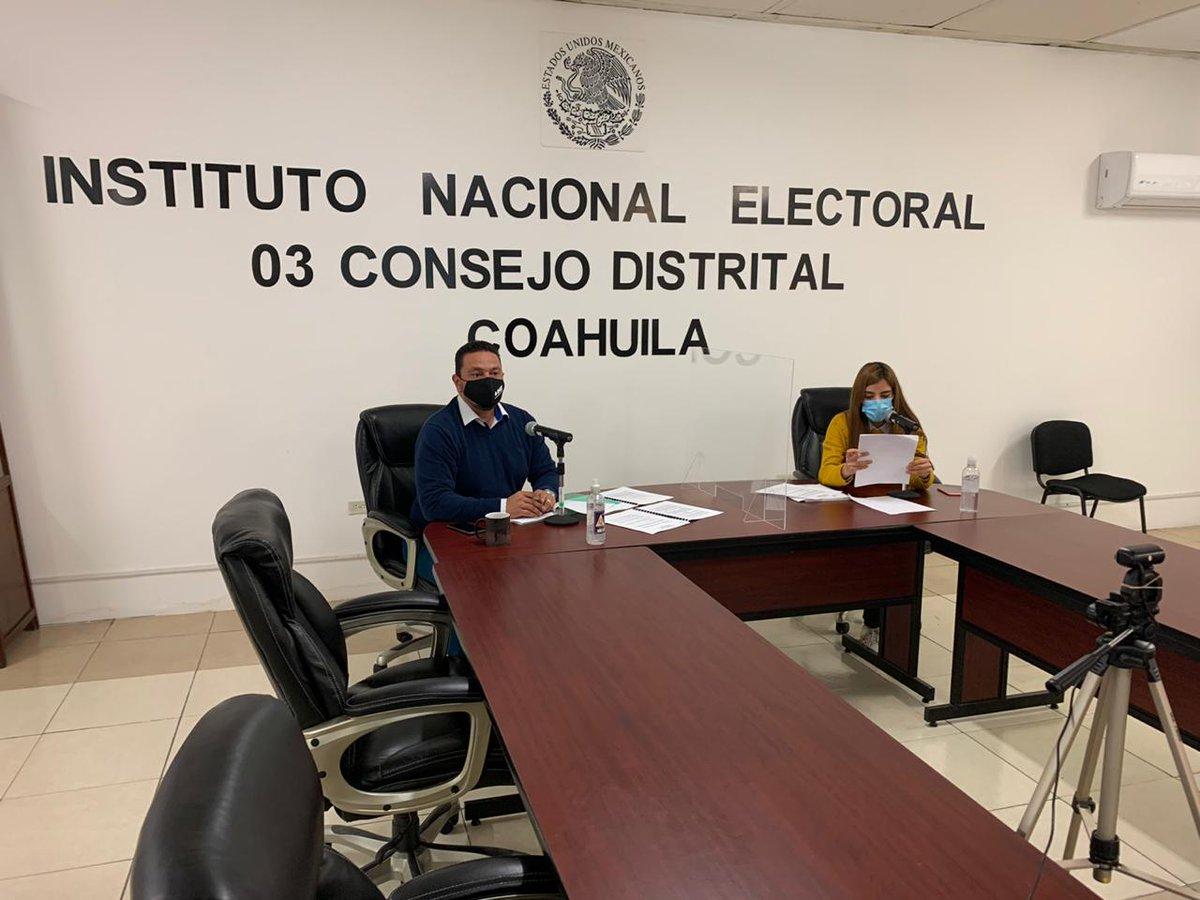 #FelizJueves,  llevamos a cabo la primer sesión de la CDV de la 03JDE del @INECoahuila, rendimos informes en materia del RFE en el marco de las #Elecciones2021. #Enterate Tienes hasta el 10-02-21 para actualizar  el estatus de tu CPV. #ContamosTodosContamosTodas #QuedateEnCasa