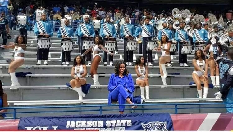 #JSUAlums: It would have been great to see @JacksonStateU Alumna and our Forever First Lady, Michelle Obama, in her JSU Blue with our Sonic Boom today in DC! 💙 @SonicBoomOTS  💙💪🏾💙 https://t.co/gQDBZEJOa3