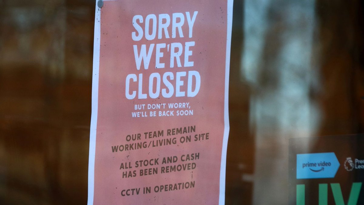 ✱ Bars and restaurants should stay shut until May, government adviser says #skynews #BreakingNews #PleaseRetweet ➯➯➯