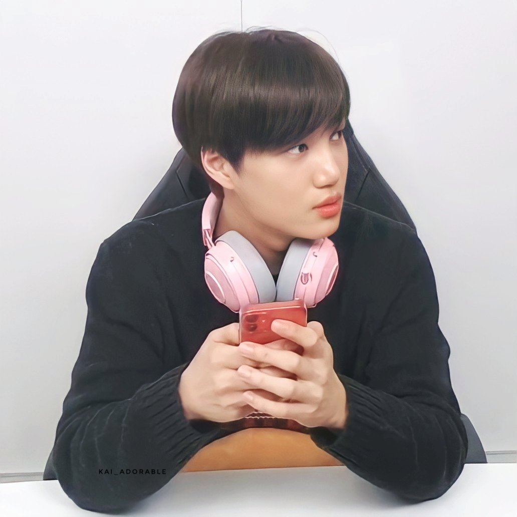 Replying to @kai_adorable: 210121 Gamer Nini  ʕ·ᴥ·ʔ   #IdolLeagueWithKAI #KAI #카이 #JONGIN #カイ #金钟仁 #엑소카이 #EXO @weareoneEXO