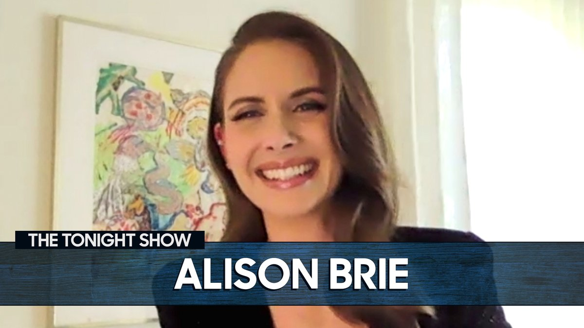 Booking the job ✅ Losing the accent ✅  @alisonbrie got The Best of Both Worlds on the set of Hannah Montana!   More with Alison 👉