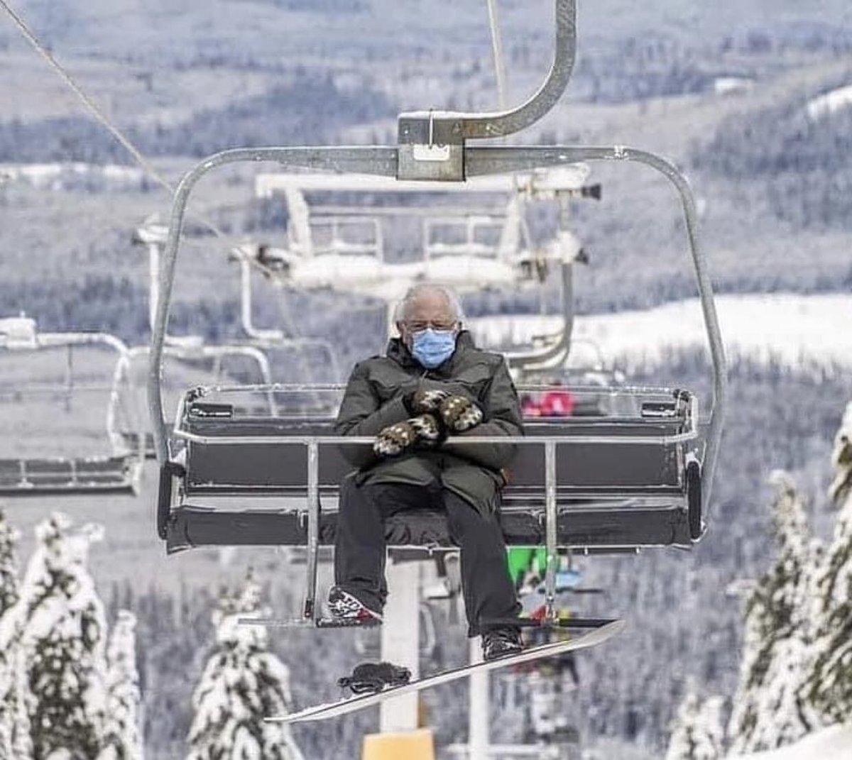 Ski weekend is coming ! #sanders #BernieSandersMittens #usacapitol