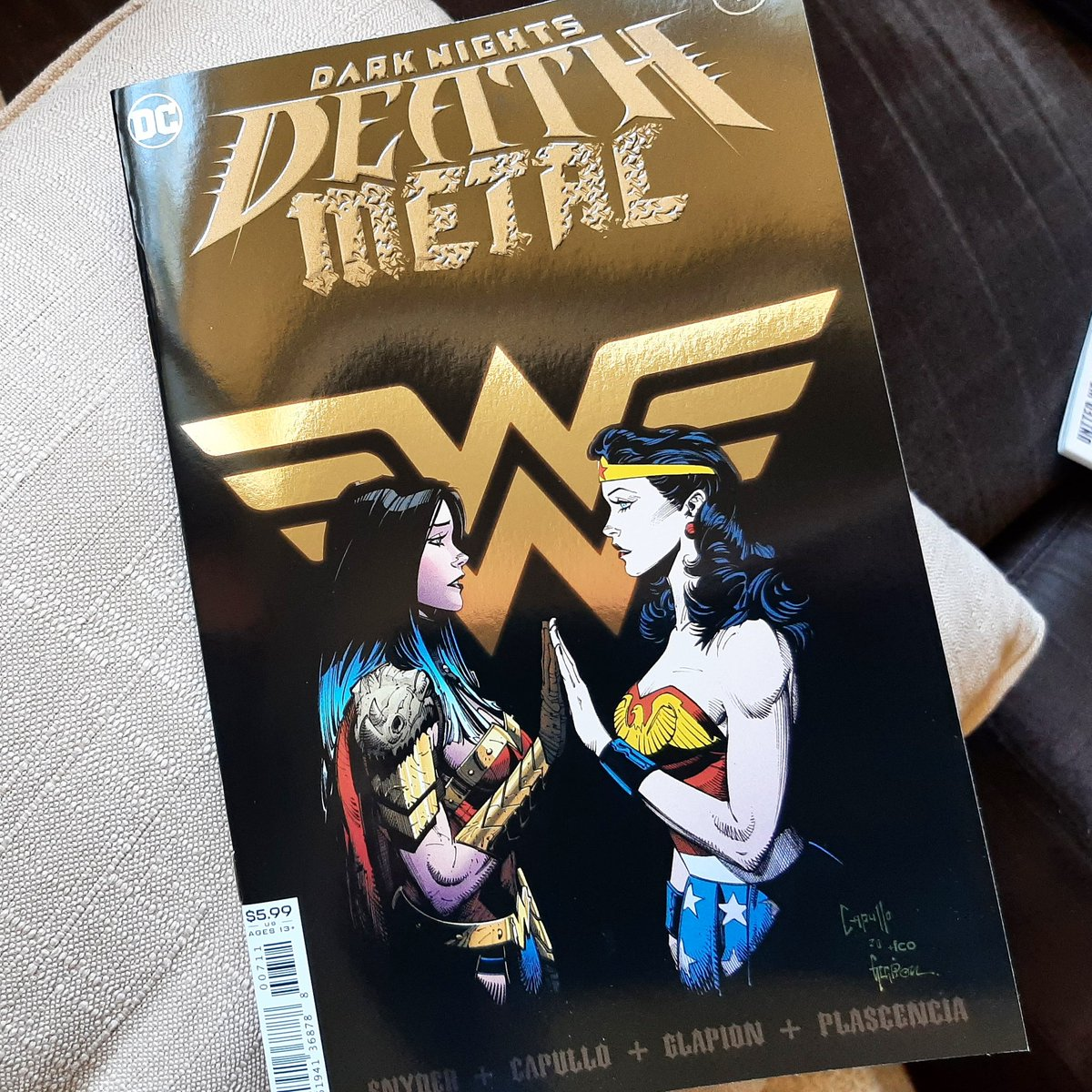 😭😭😍😍 #WonderWoman #DC #DarkNightsDeathMetal #DCComics #ScottSnyder #GregCapullo #JonathanGlapion #FCOPlascencia #JusticeLeague ❤💛💙
