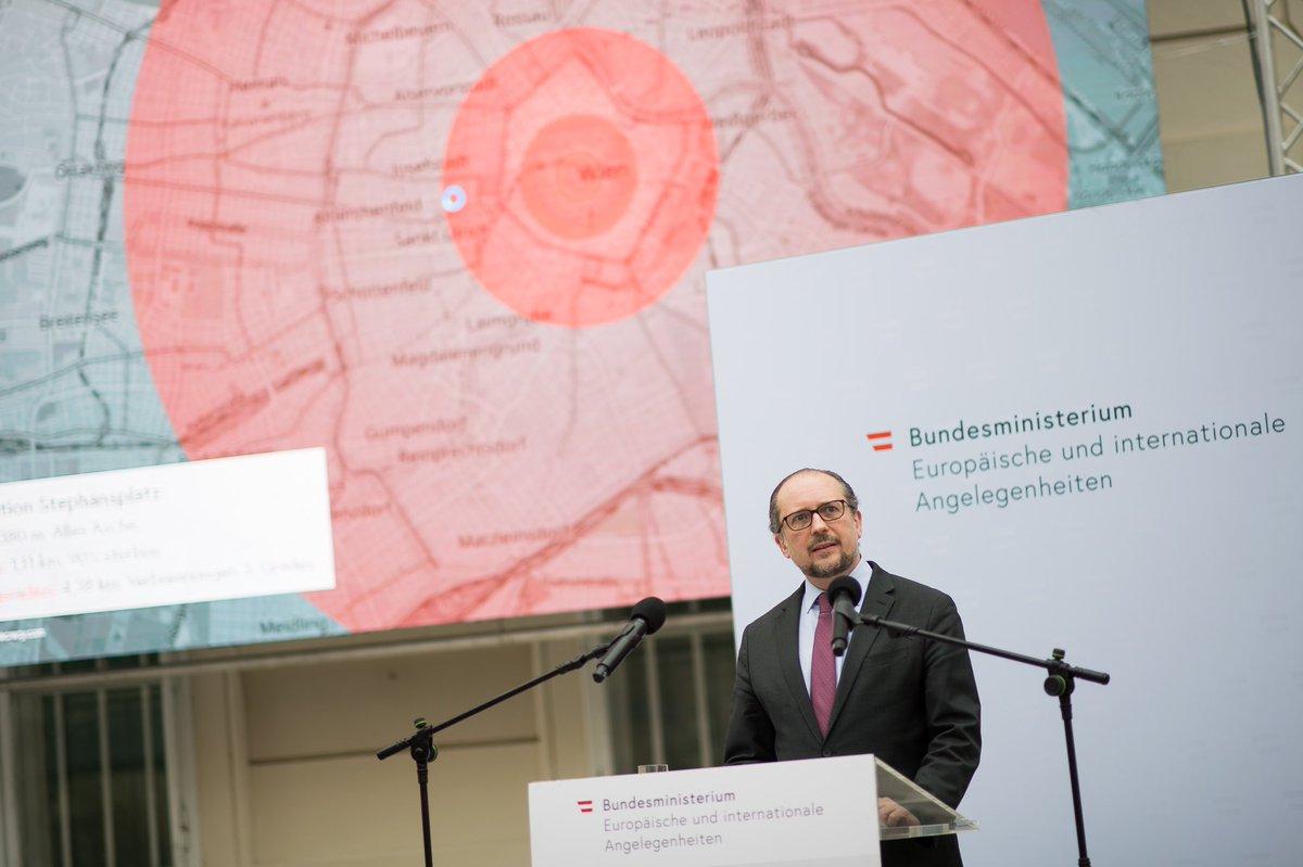 """AM #Schallenberg: """"Solange Nuklearwaffen noch existieren, bedrohen sie unser aller Existenz. Mit dem Inkrafttreten des Vertrags über ihr Verbot #TPNW sind sie angezählt. Heute läuten wir den Anfang vom Ende dieser heimtückischen Waffen ein."""""""