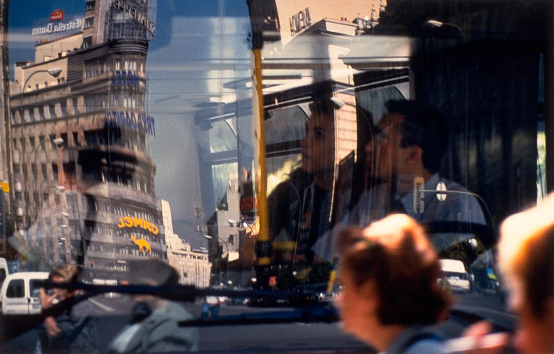 Madrid, April 2000  #granvia #callao #Madrid #camel #autobus #bollore #tumblr #bus #reflejo #reflection #color #depthoffield #profundidaddecambo #mirrows #espejos #españa #spain #couple #pareja