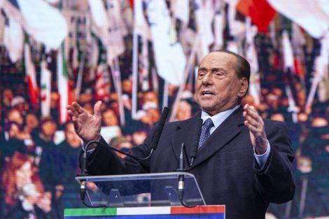 """""""Italia paralizzata, o nuovo Governo o elezioni"""", il monito di Berlusconi - https://t.co/SwaNfuVVZg #blogsicilianotizie"""