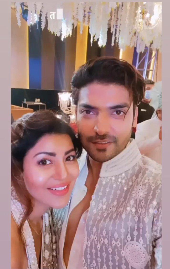 My Royal couple looking super stunning together😍❤️ @gurruchoudhary @imdebina #Gurmeetchoudhary @JeevitaOberoi9 #Debinabonnerjee #GurBina  #Poobanipawar https://t.co/L6oU9McQIS