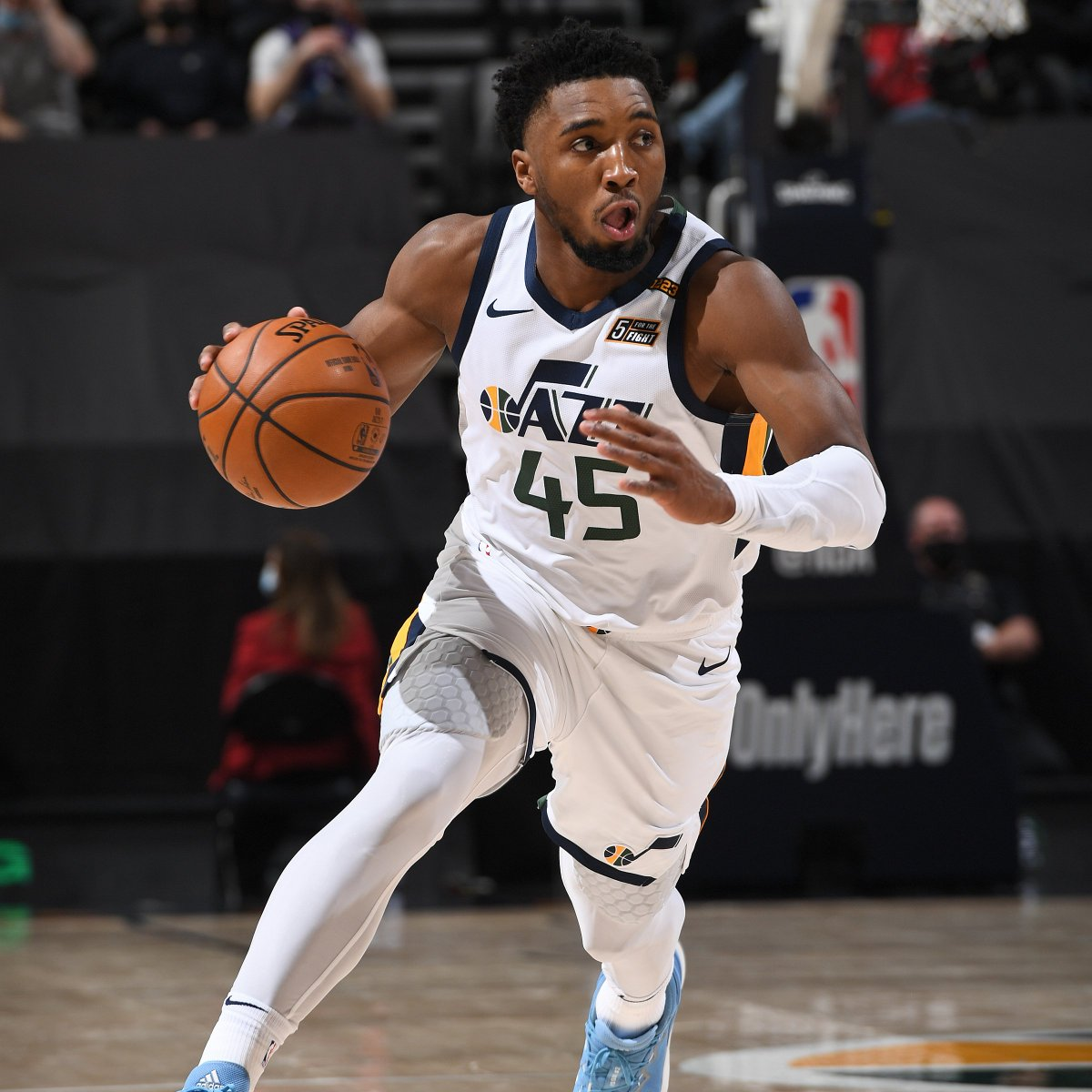 Donovan Mitchell is the fastest player in NBA history to make 600 threes (240 games). Previous fastest was Buddy Hield. https://t.co/MvTl2ioJwQ