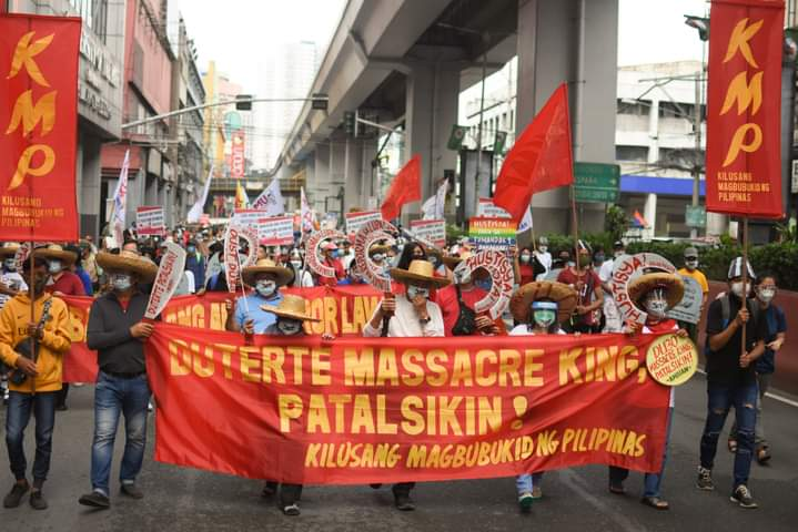 They demand justice for the 13 Mendiola Massacre martyrs and all victims of exttajudicial killings. Photos by Carlo Manalansan