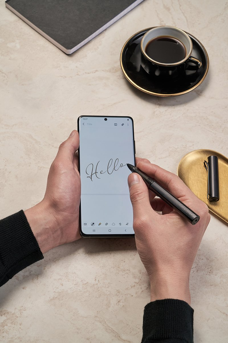 𝙃𝙚𝙡𝙡𝙤, 𝙞𝙨 𝙞𝙩 𝙢𝙚 𝙮𝙤𝙪'𝙧𝙚 𝙡𝙤𝙤𝙠𝙞𝙣𝙜 𝙛𝙤𝙧?  #GalaxyS21 Ultra 5G with S-Pen 🖱️   *🅵🆈🅸* Buy and get a limited pre-order #GalaxyBudsPro & #GalaxySmartTag Gift. Ts&Cs Apply.
