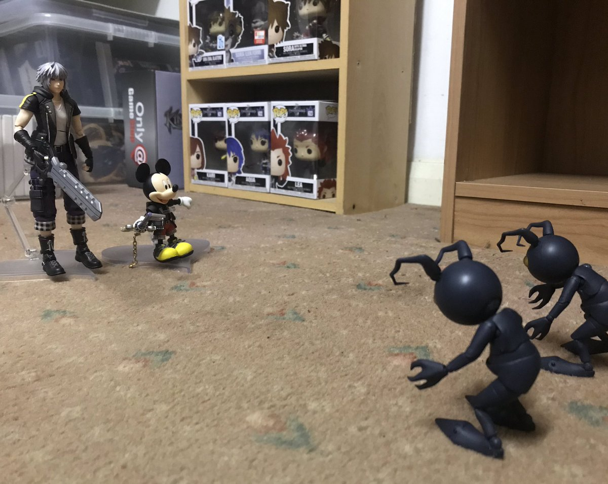 Some photos I took of my Riku and King Mickey going up against some Heartless. #KingdomHearts #Disney #KingdomHearts3 #BringArts #Figure #Figures #Riku #MickeyMouse #Heartless #Toy #Toys #Keyblade #Sora #Kairi