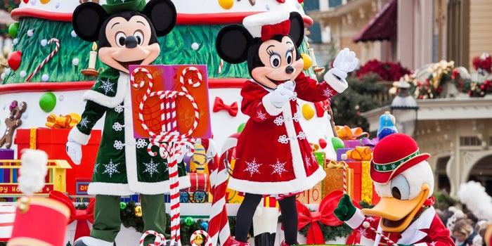 """4 #Lecciones #Mágicas que nos enseña #Disney - Detrás de la fantasía existe un negocio ejemplar. Descubre cómo funciona """"El lugar más feliz de la Tierra"""".  -"""