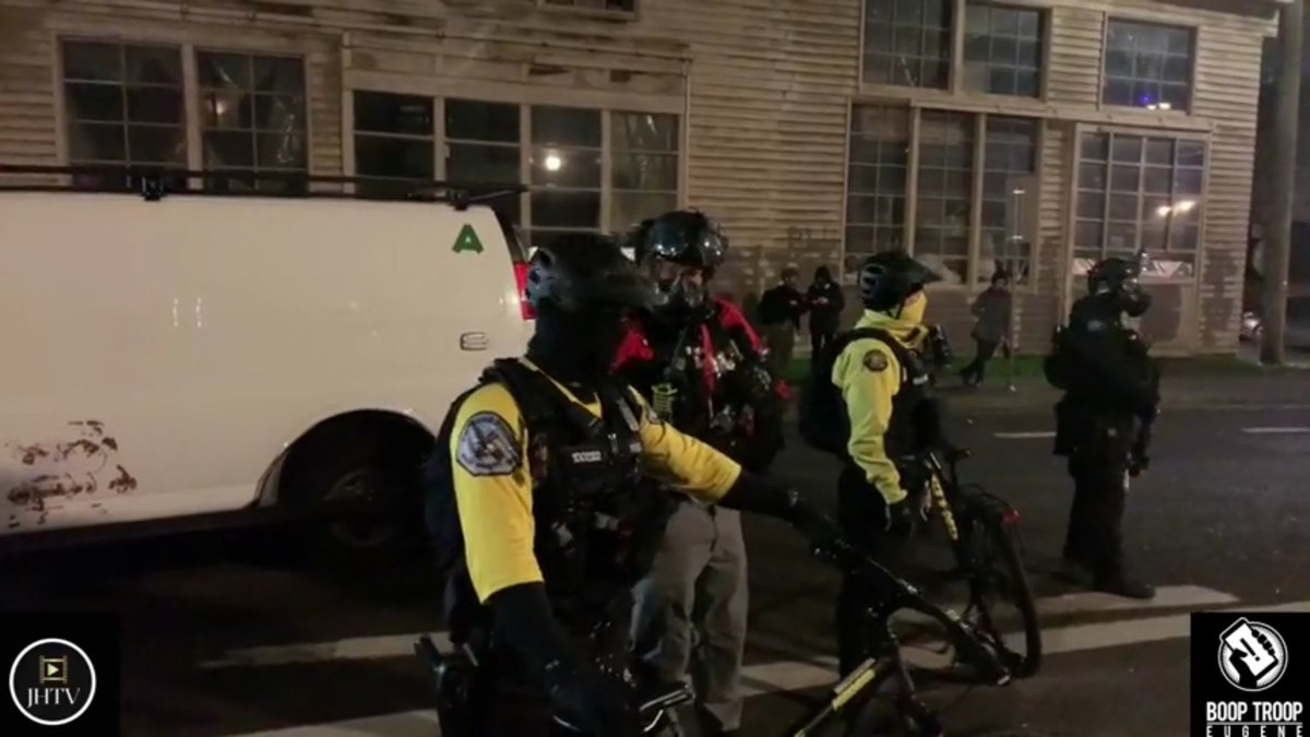 #Antifa #agitators #BLM protesting outside #ice building last night got crazy with police shooting pepperballs n CS  at em but aiming for headshots hit link https://t.co/MAc45qSJxw You ask whens it going to end protesters answer when all police quit jobs well that ain't happening https://t.co/9DOu8T4dL0