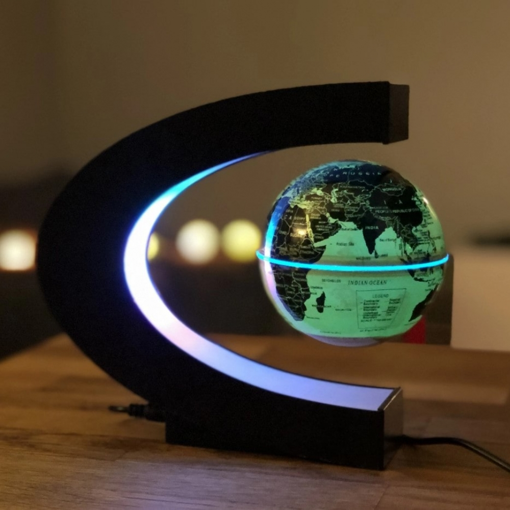 Take your pick!! . . Magnetic Levitating Globe Astrolight . . Tag a friend who would love this! ✋     #shopping #onlineshop