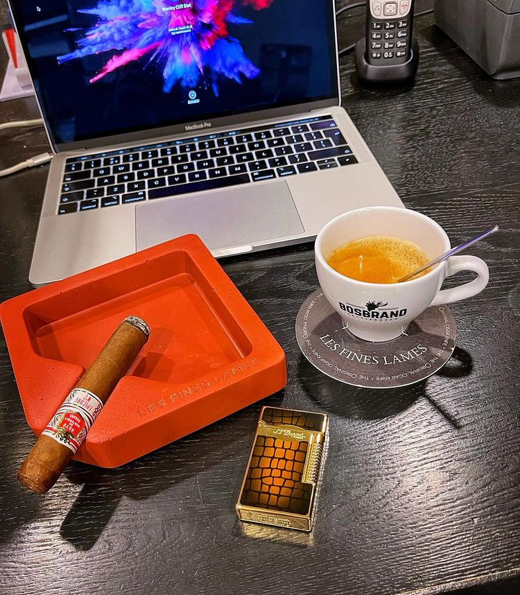 Morning routine! ☕️💨 It's time to start replying to your messages lads. #Coffee #cigarlife #habanos #luxury #lifestyle #espresso #football #FOOTBALLTIPS #soccer #FridayFeeling #fridaymorning #FridayThoughts #FridayMotivation #sports #PremierLeague #betting #bet #bettingtips