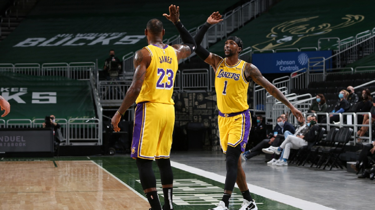 @KingJames scored a season-high 34 points in the opener of a seven-game road trip, helping @Lakers beat @Bucks  113-106 on Thursday. Full report:   #LakeShow 113 #FearTheDeer 106  #NBA #LALvsMIL #nbadk #dkmedier #sport #news