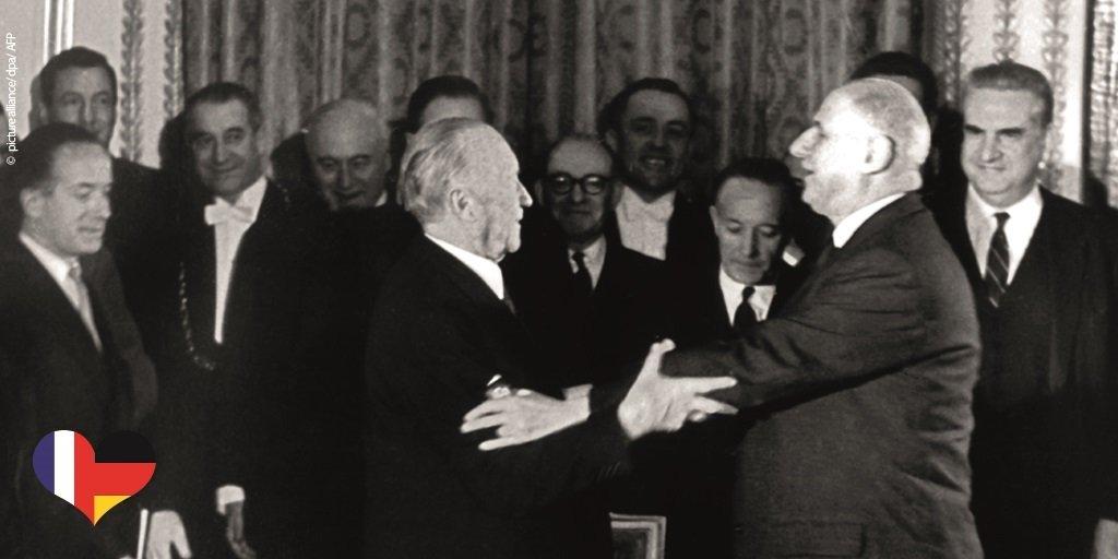 1月22日は、仏独両国間に緊密な友好関係を築いた1963年のエリゼ条約を記念する日です🇫🇷🤝🇩🇪2019年のエクス=ラ=シャペル(アーヘン)仏独協力条約では、両国は深化した協力の共同プログラムに合意しました。圧力下での多国間秩序に対し、力を合わせ、ヨーロッパそして🌍に新たな推進力をもたらします。 https://t.co/gXzHwHL52d