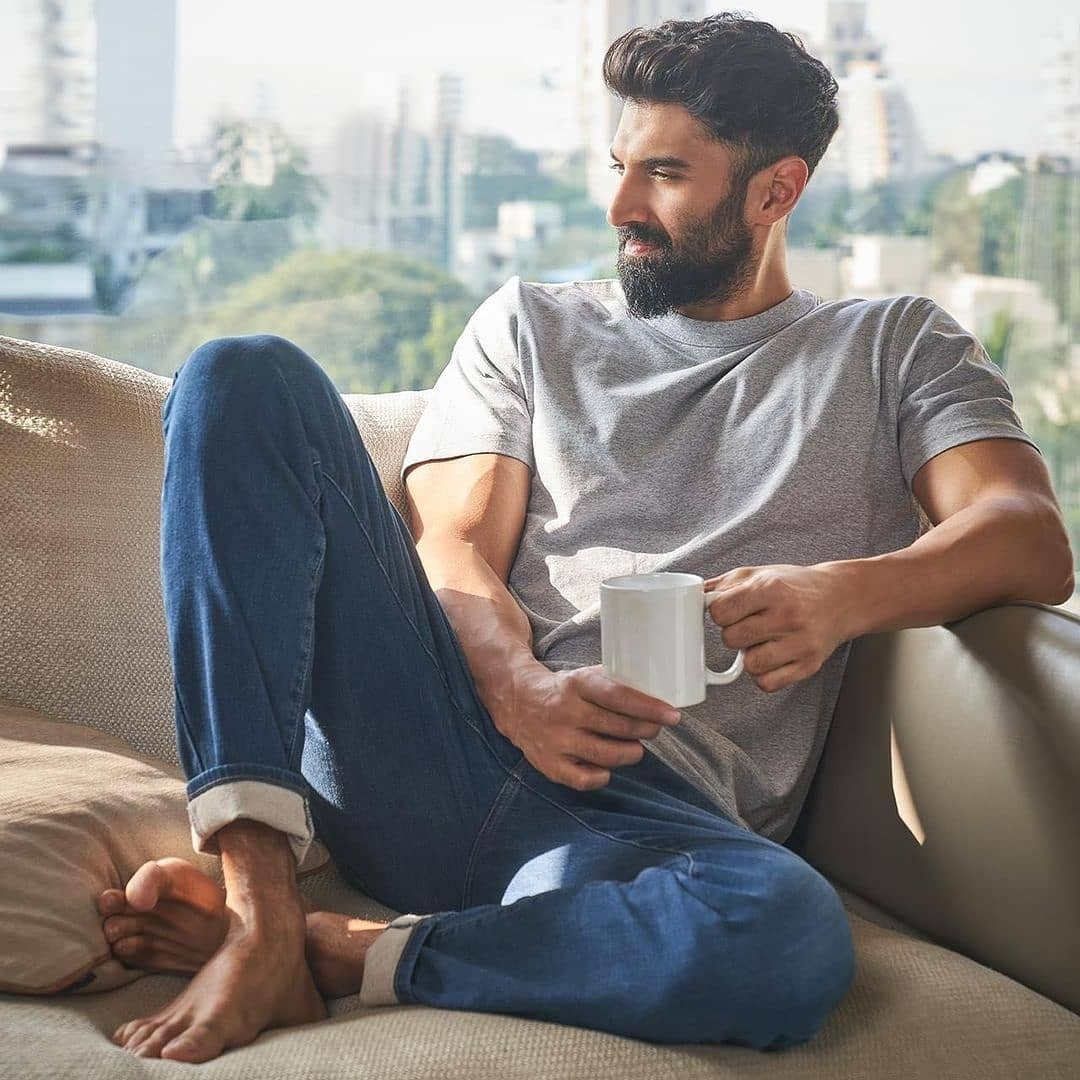 Our day is brighter than ever now as #AdityaRoyKapur drops some dashing pictures!