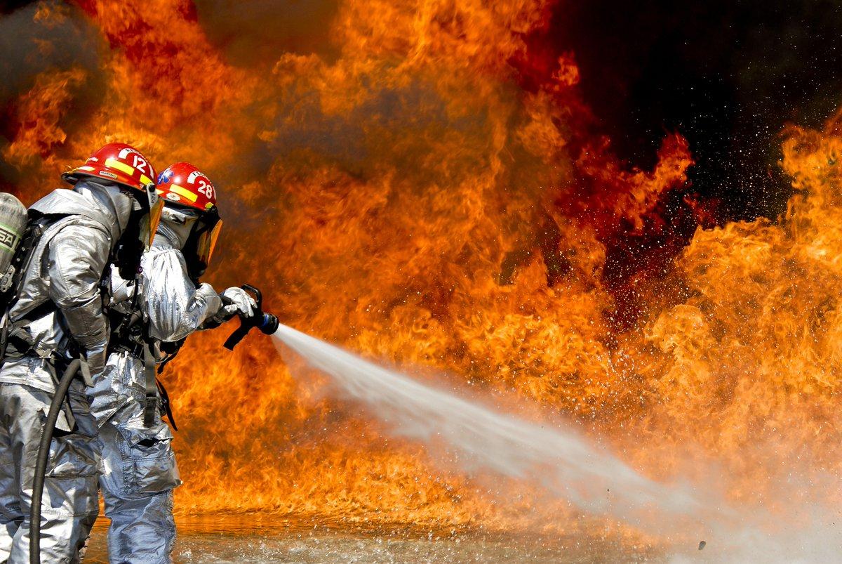 #Incendie et #explosion : s'informer pour agir. Mieux outiller les entreprises en 2021 pour prévenir les risques.  - Via @INRSfrance