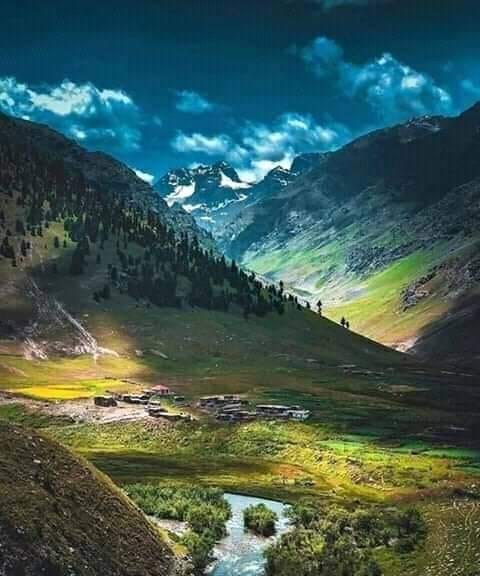 Gultari valley #Skardu Pc : Raheel Iqbal Mir #BeautifulPakistan #pakistanBeautiful @T_Sidd @aafreensikander @Ama_Sajid @Pakistaninpics @SyedRHussain75 @syed_Dawoodshah @SnapPakistan @PakistanNature @Capjackss @DanyalGilani @maddasizaq @lost_astronomy @msikram @ShnailK https://t.co/NpRuFw2zfm