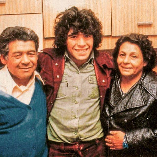 #CARICATURASyFOTOS nº1573  #GraciasDIEGO   con Doña Tota y Don Diego