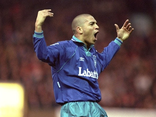 @NFFC @StanCollymore Happy birthday Stan the Man 🎂🎂🎂🎉🎉🎉🎁🎁🎁 #NFFC https://t.co/wiZhuWsIQg
