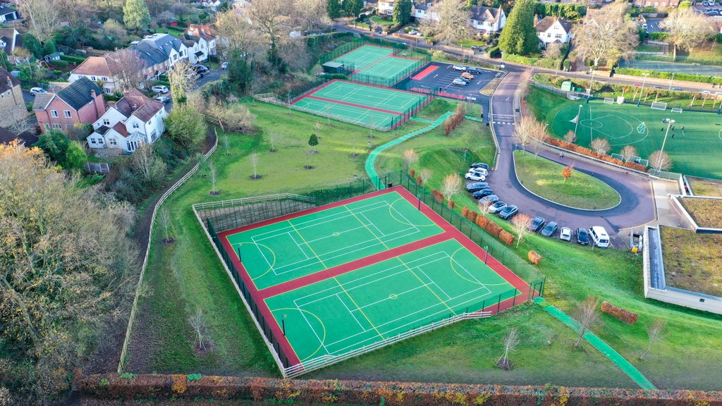 We were thrilled to deliver this @SAPCA award winning #sportsconstruction project at @berkhamstedsch.  Works included 3x new #tennis and #netball court facilities, 2x refurbished facilities, new car park construction and traffic flow improvements: