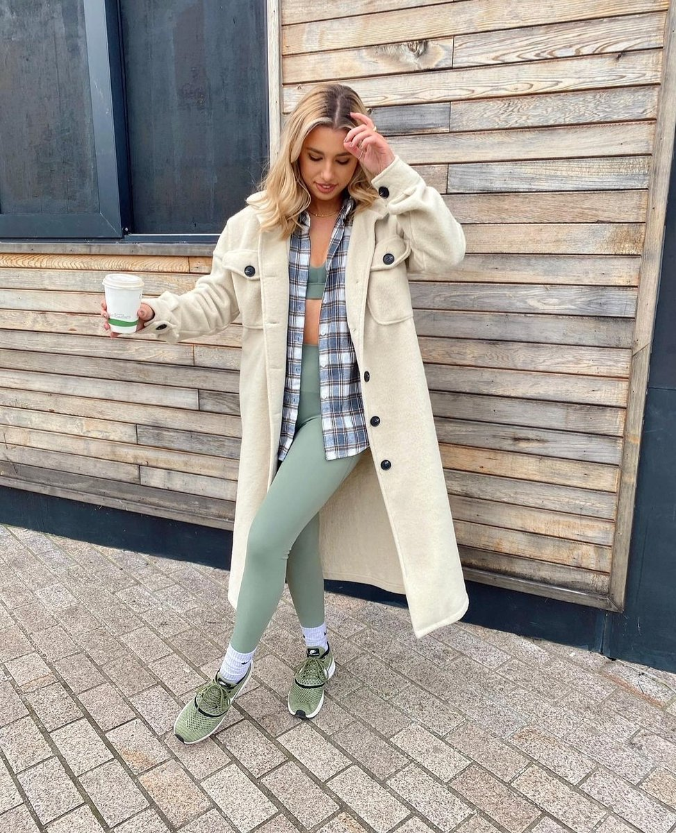 Image for Casual Fits 📸  The lauren coat styled by @katieanddrewtheblog 🛒   Shop 👉🏽 https://t.co/5y08kiUfWH https://t.co/x3HonHssvi