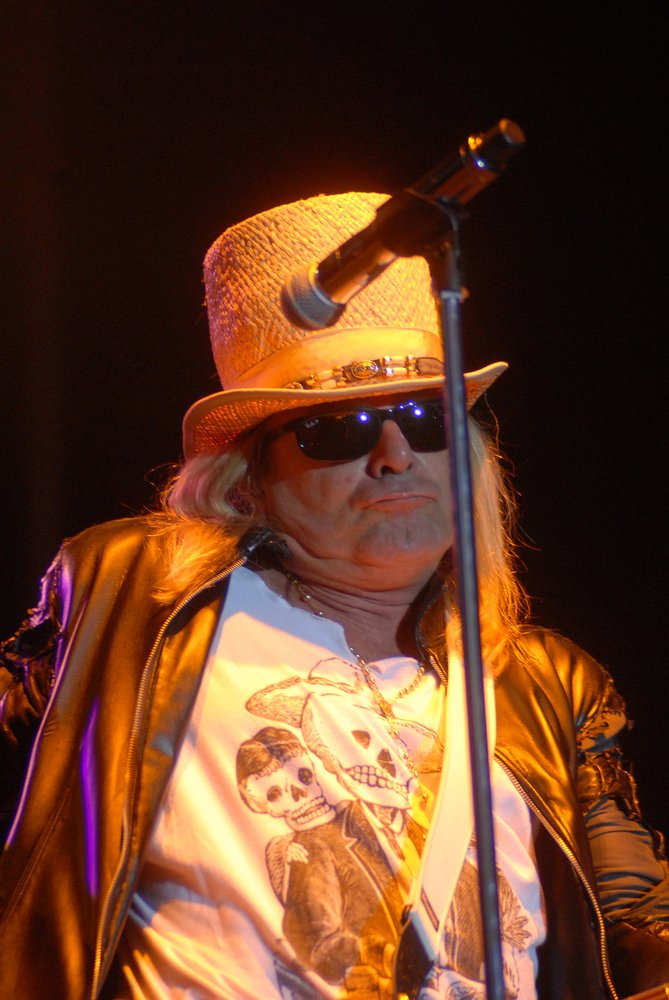 I want you...to join me...in wishing Robin Zander of @cheaptrick a happy birthday. PR Photos