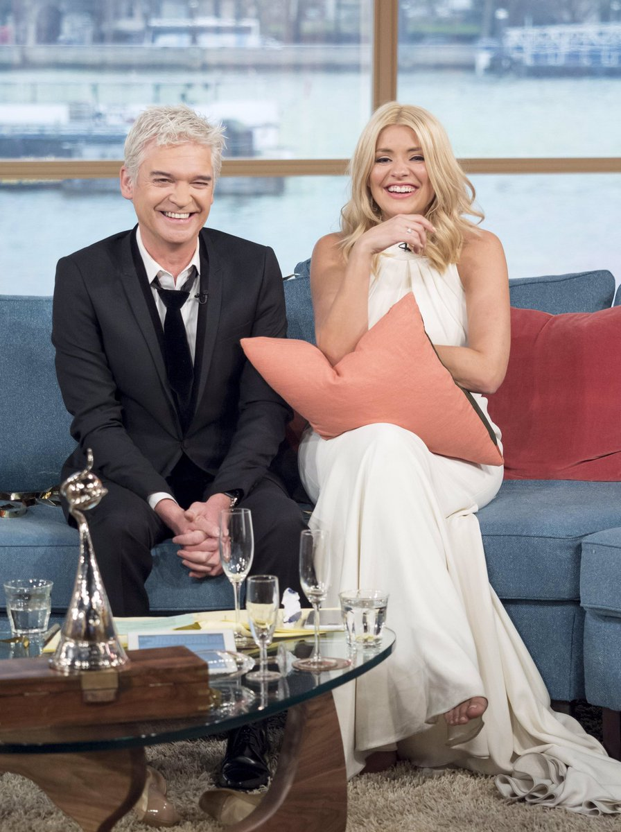 How it went (continued)... 😂🙊❤️  @hollywills #ntas #thismorning #FlashbackFriday #FBF