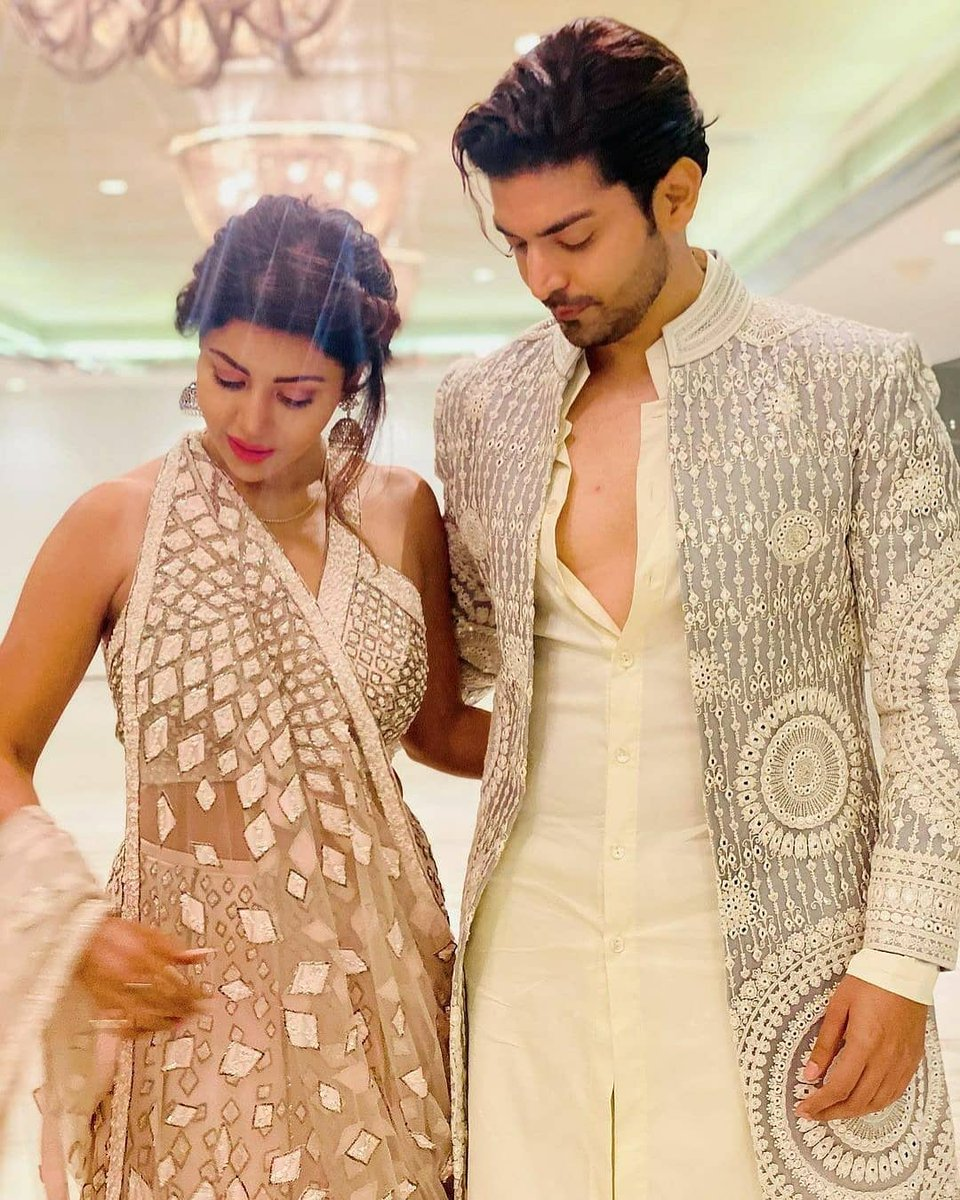 Mashaallah my heavenly couple #gurbina looking so adorable 😍😘@gurruchoudhary @imdebina ❤👌🔥🔥⭐👌💖❤🥰❤ https://t.co/ksNxOZ6rOf